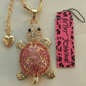 Betsey Johnson Turtle Pink Crystal Gold Necklace!